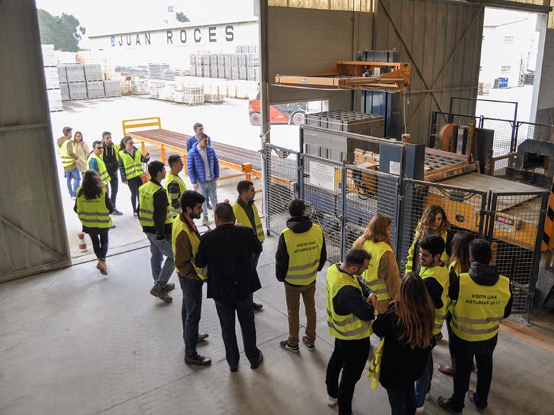Estudiantes de la UAX visitan Juan Roces S.A.