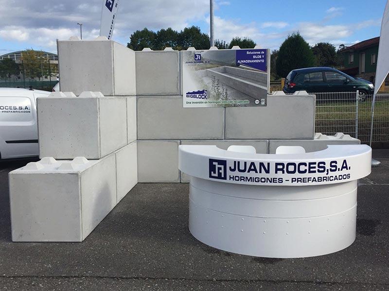 Mobiliario urbano de hormigón. Big Block Roces